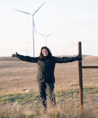 Connie with Windturbines NorthDakota 2009